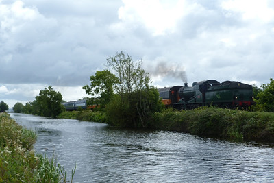 461 leads the 10:55 RPSI special from Dublin Connolly to Maynooth along the Royal Canal at Ashtown. Sunday, 29/07/12