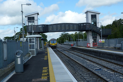 29116 departs Clonsilla on the 09:46 Dublin Connolly to Maynooth. Thursday, 12/07/12