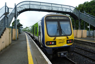 29427 on the 07:12 Dublin Connolly to Maynooth at Clonsilla, Tuesday, 07/06/11