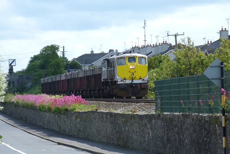 https://photos.smugmug.com/RailSceneIreland/RSI-June-2011/i-jNH62Sw/1/0cca21f7/L/P1040217-L.jpg
