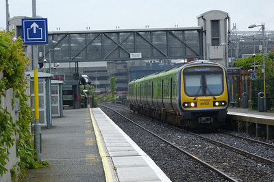 29102 arrives into Drumcondra with the 09:46 Dublin Connolly to Maynooth. Friday, 22/06/12