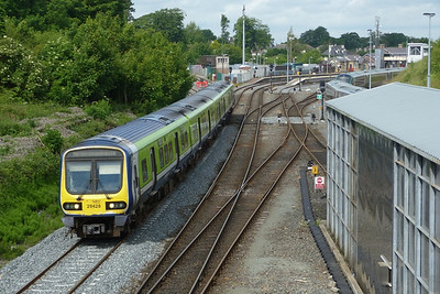29428 departs Drogheda with the 09:55 Dundalk to Dublin Connolly. Wednesday, 20/06/12