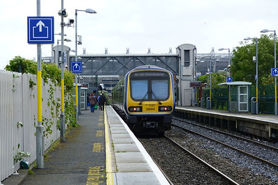 29414 departs Drumcondra on the 09:40 M3 Parkway to Dublin Connolly. Friday, 22/06/12
