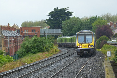 29425 seen approaching Drumcondra with the 09:10 Maynooth to Dublin Pearse. Friday, 22/06/12