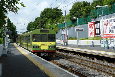 8121 heading south from Killester to Bray, Sunday, 17/06/12