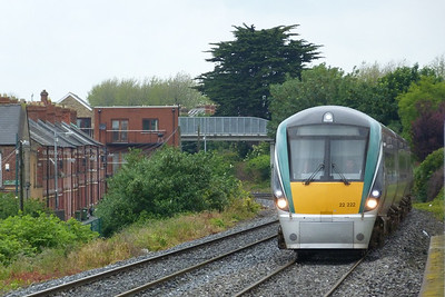 22022 arrives into Drumcondra on the 09:41 Maynooth to Dublin Pearse. Friday, 22/06/12