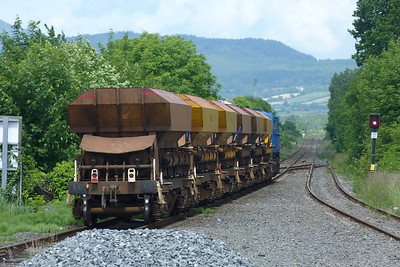 8113 brings the ballast wagons back North after running around them at Dundalk, Wednesday, 20/06/12