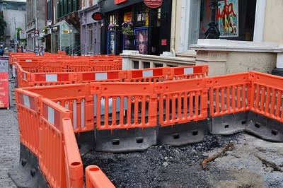 Luas XC footpath works Dawson St 9 June 2016