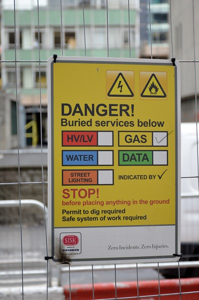 Safety Notice Hawkins St 17 June 2016