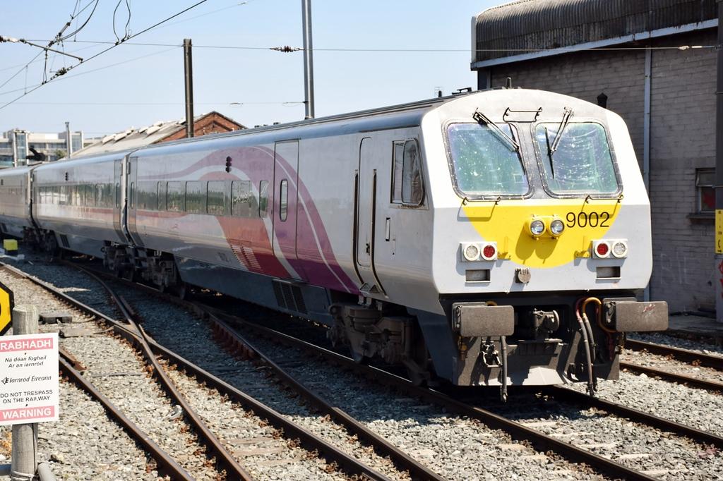 9002 departs Connolly 9 June 2018