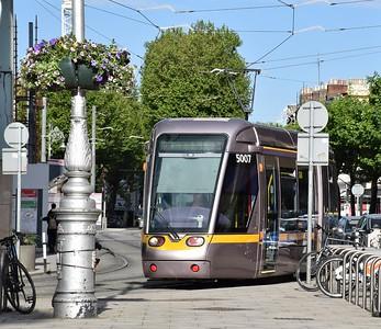 5007 turns onto Harcourt St 4 June 2021