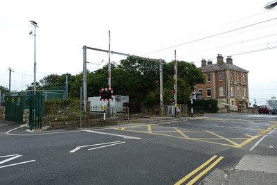 The level-crossing gates at the north end of Bray Daly station. There was until very recently a footbridge across the line here. Thursday, 05/07/12
