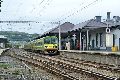 8613 about to form a northbound DART service from Bray Daly. Thursday, 05/07/12