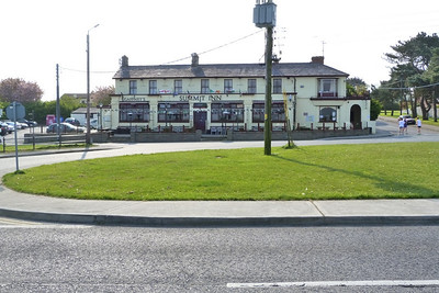 The Summit Inn at Howth. The road in the foreground is built on the former tram route.