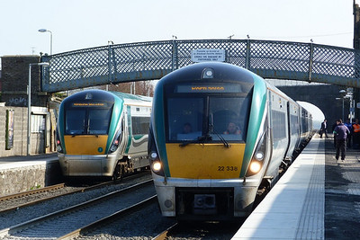 22007 has arrived from Dublin Heuston while 22038 is on the 10:15 Dublin Heuston to Portlaoise. Kildare, Friday, 25/03/11