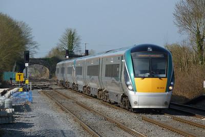 22005 on the 07:15 Westport to Dublin Heuston, Kildare, Friday, 25/03/11