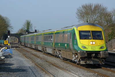 4003 with the 07:30 Cork to Dublin Heuston. Kildare, Friday, 25/03/11
