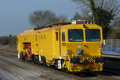 The beast that is 744 heading towards Dublin from Kildare, Friday, 25/03/11