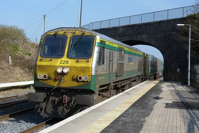 229 arrives with the 13:00 Dublin Heuston to Cork. Kildare, Friday, 25/03/11