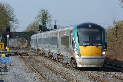 22033 on the 07:20 Tralee to Dublin Heuston. Kildare, Friday, 25/03/11
