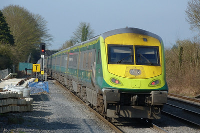 4002 on the rear of the 09:00 Dublin Heuston to Cork, Kildare, Friday, 25/03/11