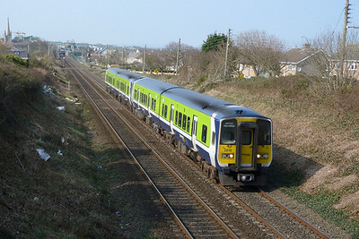 2818 on the 13:35 Drogheda to Dublin Pearse. Balbriggan, Wednesday, 23/03/11