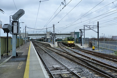 The station at Howth Junction with 8632 coming off the branch with a south bound service from Howth.