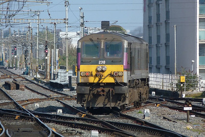 230 about to shunt onto the Enterprise set. Connolly, Thursday, 24/03/11