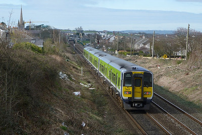 2807 on the 13:28 Dublin Pearse to Drogheda. Balbriggan, Tuesday, 22/03/11