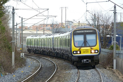 29124 on the 11:35 Drogheda to Pearse, Howth Junction, Monday, 21/03/11