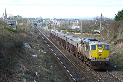 086 with the lunchtime laden Tara. Balbriggan, Tuesday, 22/03/11