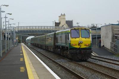 224 propelling the 10:30 Cork to Dublin Heuston. Kildare, Friday, 23/03/12