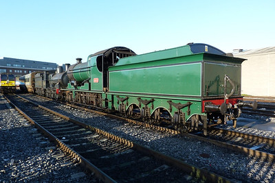 461 looking well in its green livery. Dublin Connolly. Wednesday, 07/03/12