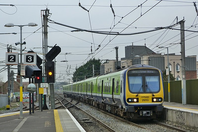 29113 passes through Howth Junction on the 10:00 Dublin Pearse to Drogheda. Wednesday, 14/03/12