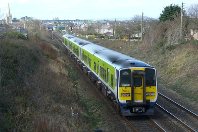 2804 on the 13:30 Dublin Pearse to Drogheda. Balbriggan, Thursday 01/03/12
