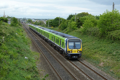 29117 on the 14:15 Drogheda to Dublin Pearse, Balbriggan, Thursday, 19/05/11