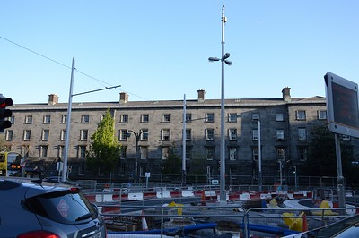 Luas XC masts on College St 4 May 2017