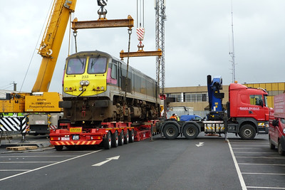 One final look at 233 as it is placed into its final position on the low loader. It is expected to transfer to Inchicore through Dublin City Centre in the early hours of Thursday morning. Connolly, Wednesday, 02/11/11