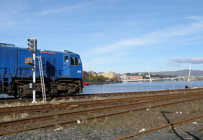 8111 and Peace Bridge Derry 7 October 2012