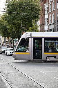 3014 crosses O'Connell St 23 October 2018
