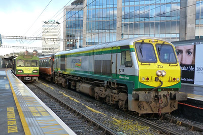 The final weekend of the RPSI Santa Specials threw up some variety in the form of 215. Here the loco is bringing the Cravens on an ECS from Dublin Connolly to Dublin Pearse. Tara Street, Saturday, 17/12/11