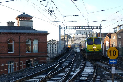215 brings the 10:30 Dublin Pearse to Maynooth Santa Special through Dublin Connolly, Saturday, 17/12/11
