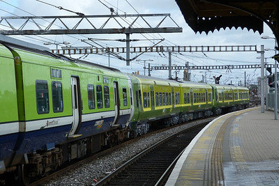 For the first time in a very long time, some Alsthom-built DART units pass through Dublin Connolly. 8401/8201 & 8405/8203 on the move. Tuesday, 18/09/12