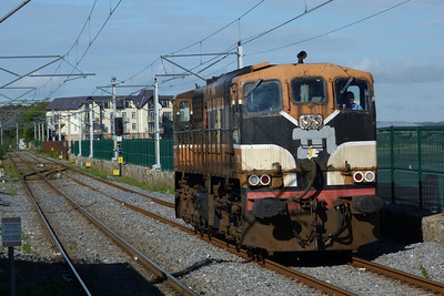 084 arrives with a driver training run into Howth, Wednesday, 19/09/12