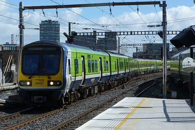 29107 leads the sets back through Dublin Pearse on the way to Inchicore. Tuesday, 18/09/12