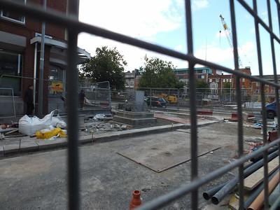 Monument Hawkins St 21 September 2013