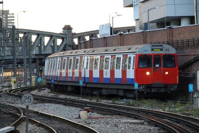 5573 arrives into London Paddington, Monday, 08/08/11