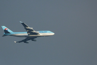 Korean Air B747 flies over central London, Tuesday, 09/08/11