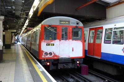 5205 departs Baker Street, Monday, 04/07/11