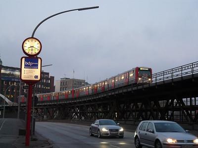 Hamburg U-Bahn, 12/04/10
